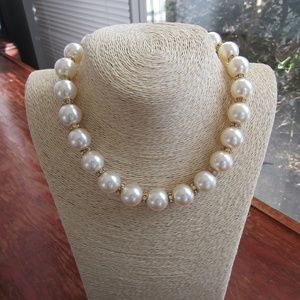 Elegant Pearl Choker with Gold Crystal Spacers